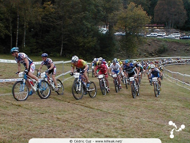 Finale de la Coupe de France 2002 de VTT Cross Country - les sam. 05 et dim. 06 octobre 2002 ; Annecy, Plateau des Puisots, Semnoz. – « Finale de la Coupe de France 2002 de VTT Cross Country » – mots associés : coupe de france, cross country, semnoz, vtt, xc